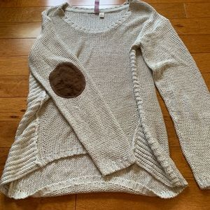 Cableknit sweater with elbow patches
